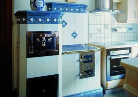 7 kW-os fehér színű konyha