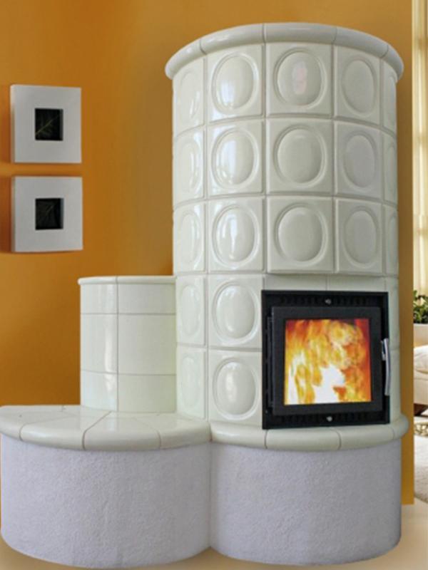 klassik stílusú fehér színű 2kW-os kandalló ülőpadkával