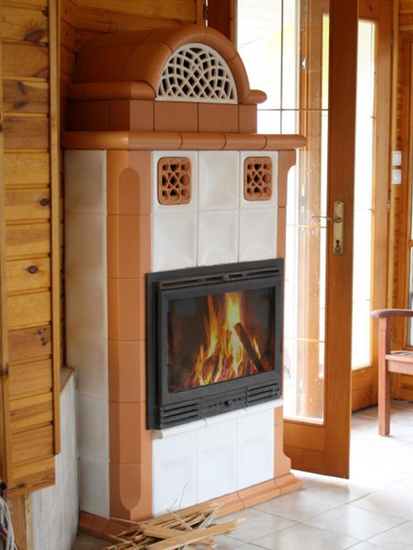 klassik stílusú alabástrom és terracotta színű kandalló